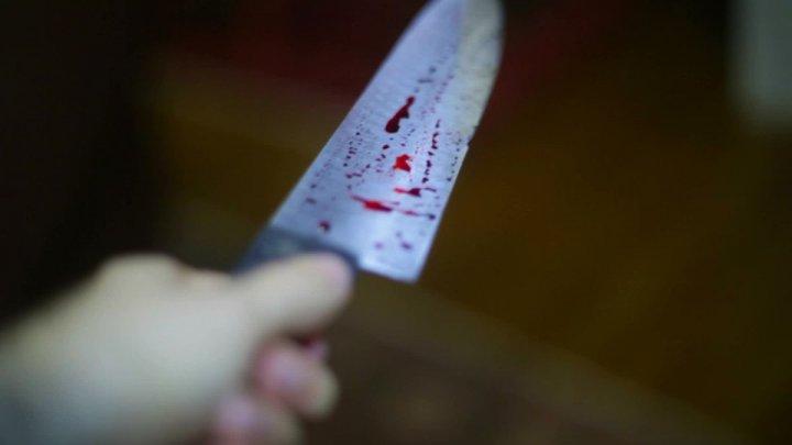 Мальчик с ножом в сердце найден в школьном туалете