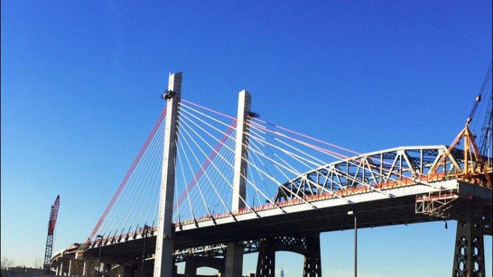 ВНью-Йорке взорвали аварийный мост спомощью 900кг взрывчатки