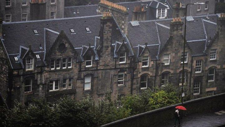 Парламент Шотландии возобновил работу после эвакуации