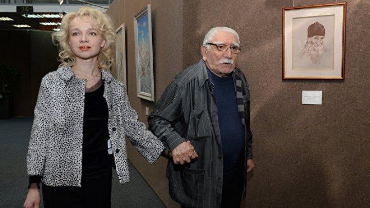 Полицейские обыскали квартиру жены Армена Джигарханяна
