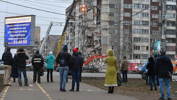 Жителей обрушившегося в Ижевске дома начали пускать в квартиры