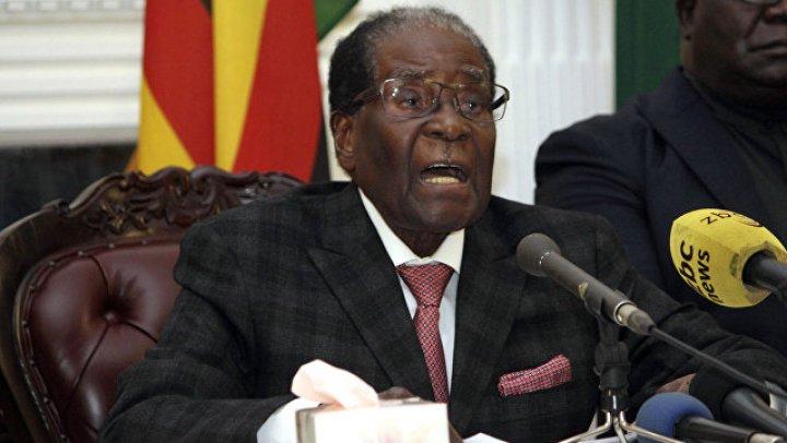 Президент Зимбабве подал в отставку через неделю после «бескровной коррекции»
