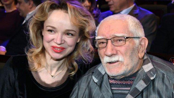 """Заигралась"", - сын Армена Джигарханяна прокомментировал ситуацию с женой отца"