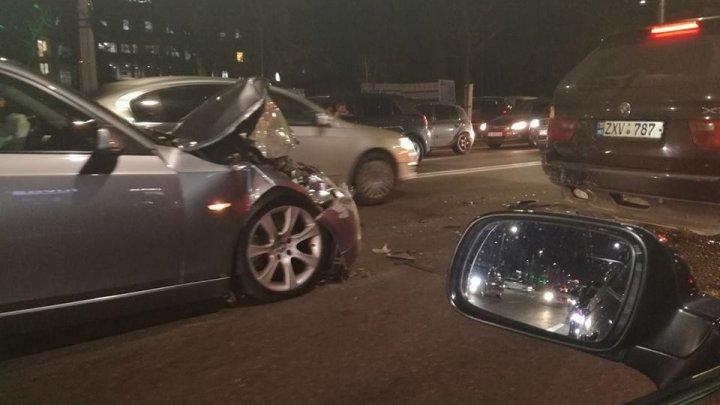 Четыре автомобиля столкнулись в центре столицы: фото