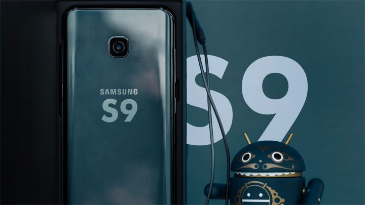 СМИ: Сканер отпечатков Galaxy S9 разместится под экранным стеклом