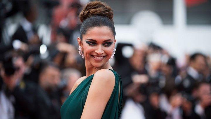 Индийские радикалы объявили награду за голову актрисы, сыгравшей знаменитую царицу