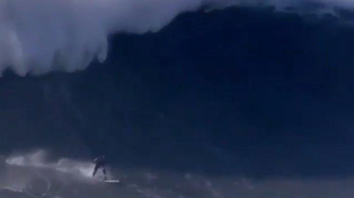 36-летний сёрфер выложил видео, как чудовищная волна ломает ему позвоночник