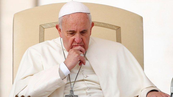 Папа римский Франциск признался, что иногда засыпает во время молитвы