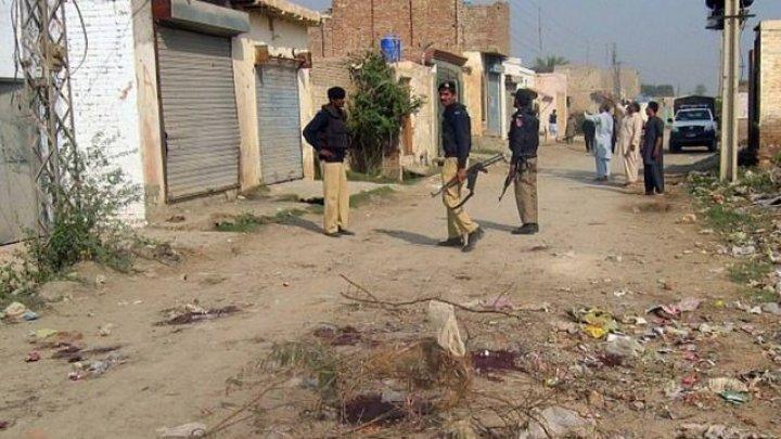 14-летнюю девочку из Пакистана провели по улице голышом, чтобы наказать за роман её брата