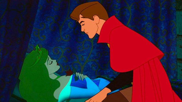 """В сказке """"Спящая красавица"""" нашли пропаганду изнасилований"""
