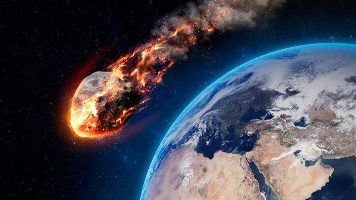 К Земле несется гигантский астероид