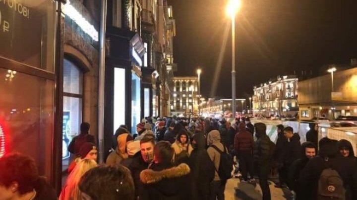 Первое место в очереди за iPhone X в Москве предлагают купить за 5 тысяч евро