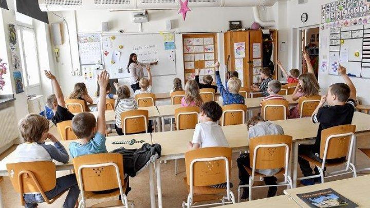 В Швеции о сексуальных домогательствах заявили сразу 1700 школьниц