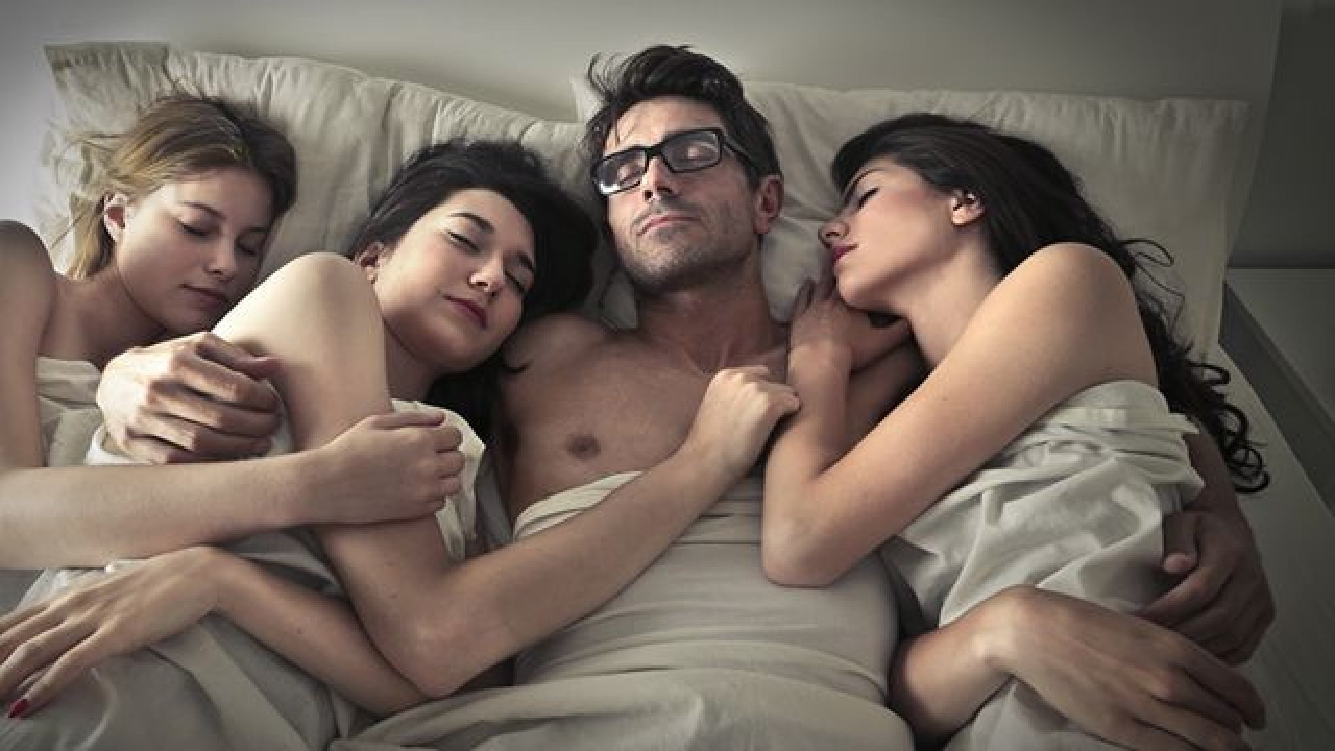 Women having threesome with women #11