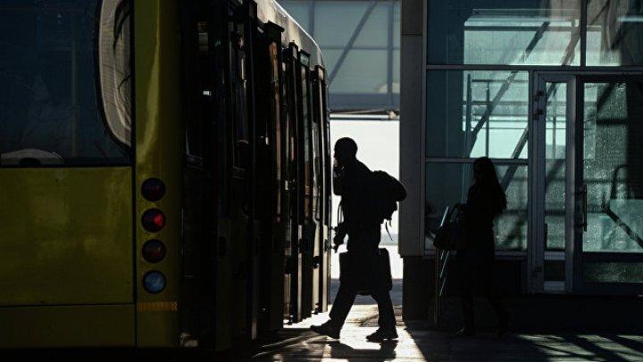 Мигрант пять часов ехал под кузовом автобуса в Хорватию, сообщили СМИ