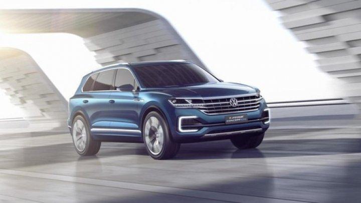 Названы сроки премьеры новейшего Volkswagen Touareg
