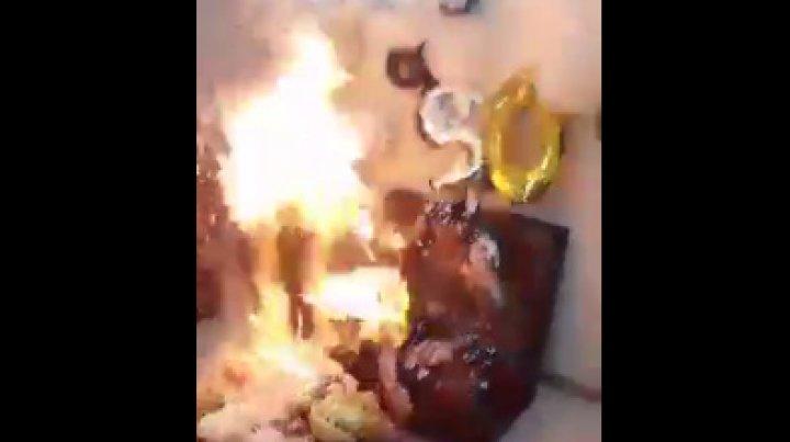 Гости случайно подожгли именинницу и её подругу во время праздника (видео)