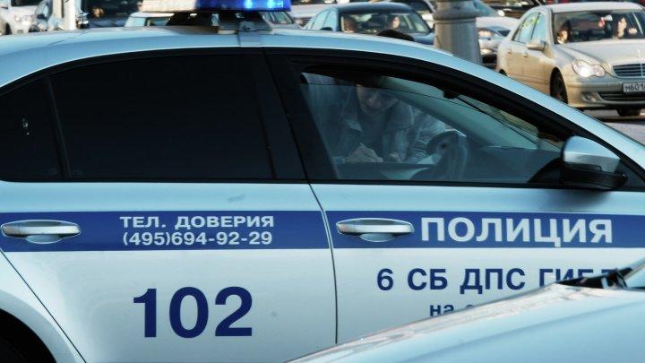 В Ленобласти угнали автомобиль с бабушкой внутри