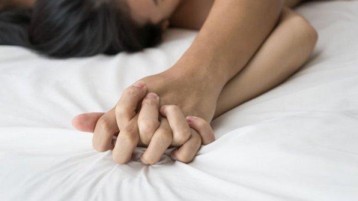 В Швеции мужчин законодательно обязали спрашивать разрешения на секс