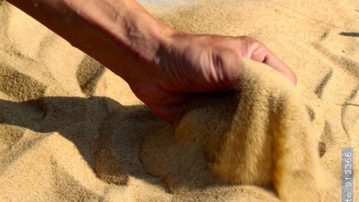 Закормленного песком насмерть мужчину нашли в Санкт-Петербурге