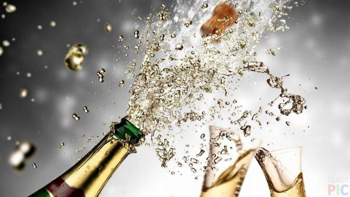 Учёные назвали алкогольный напиток, улучшающий качество секса