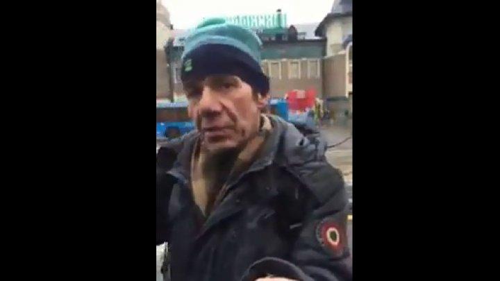 """Видео: в Москве благодаря 100 рублям произошло """"чудесное исцеление"""" бездомного"""