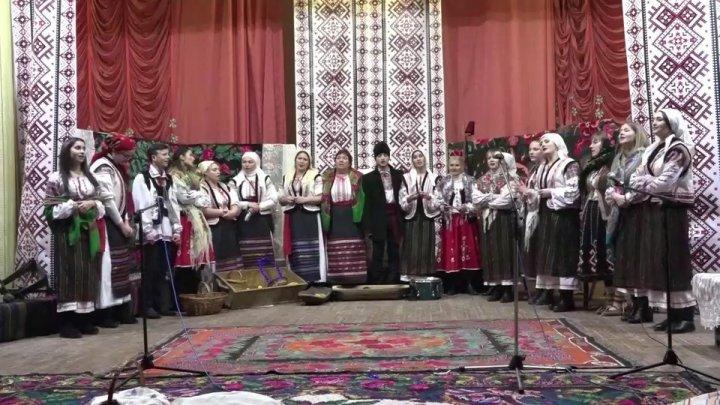 Возродить традиции предков: в Цынцэренах организовали посиделки c колядками и танцами