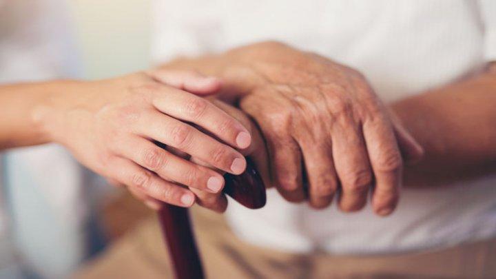 Болезнь Паркинсона можно диагностировать по запаху