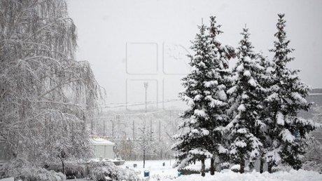 Молдову продолжает заносить снегом: Publika TV открыла кризисную ячейку в связи с непогодой