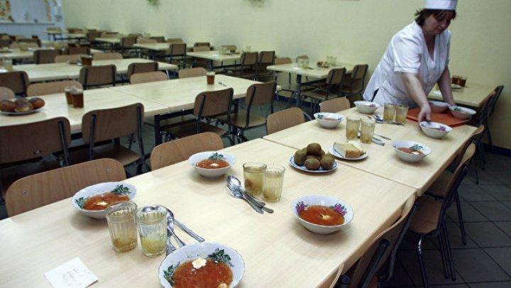 В Хабаровске выяснили причину отравления 100 гимназистов