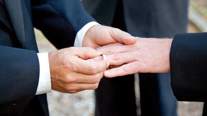 В Москве аннулируют брак двух мужчин, заключённый в Дании