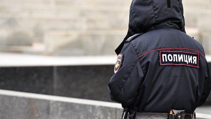 В Москве мужчина выстрелил в дебошира, прыгавшего по его машине