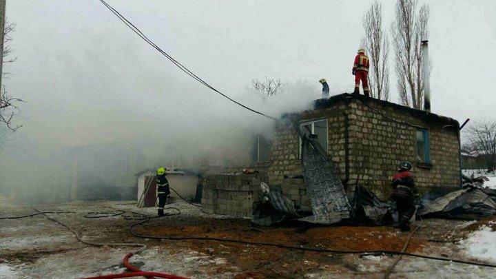Пожар в школьной столовой Оргеевского района локализован: фото