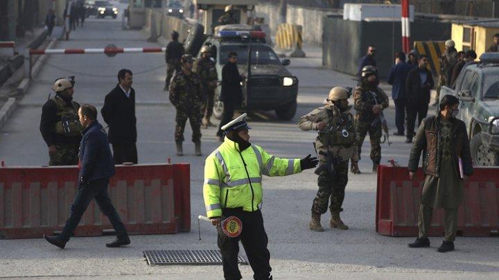 В Кабуле возле зданий иностранных посольств прогремел взрыв