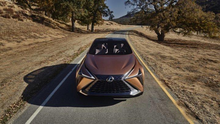 Компания Lexus показала концепт будущего флагманского кроссовера