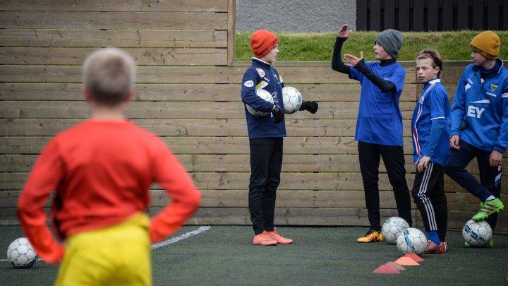 УЕФА может запретить играть головой в детском футболе