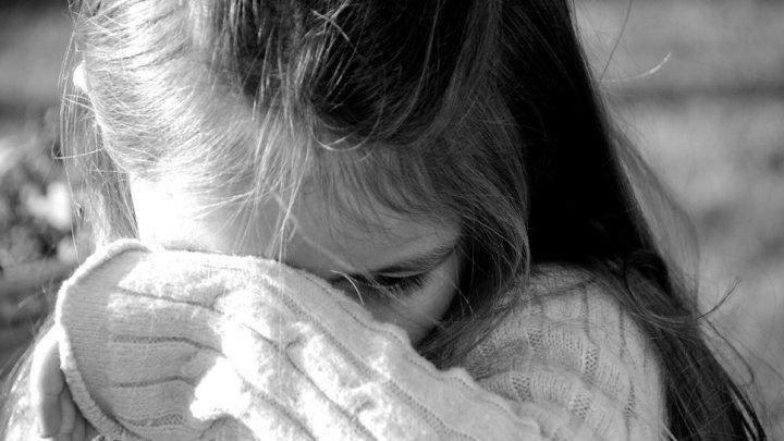"""""""Лучше мы, чем какой-нибудь маньяк"""": родители насиловали каждый день свою 12-летнюю дочь"""