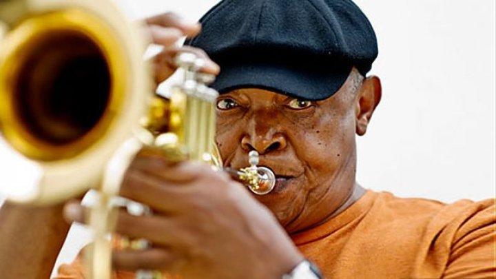 В ЮАР скончался легендарный африканский джазмен Хью Масекела