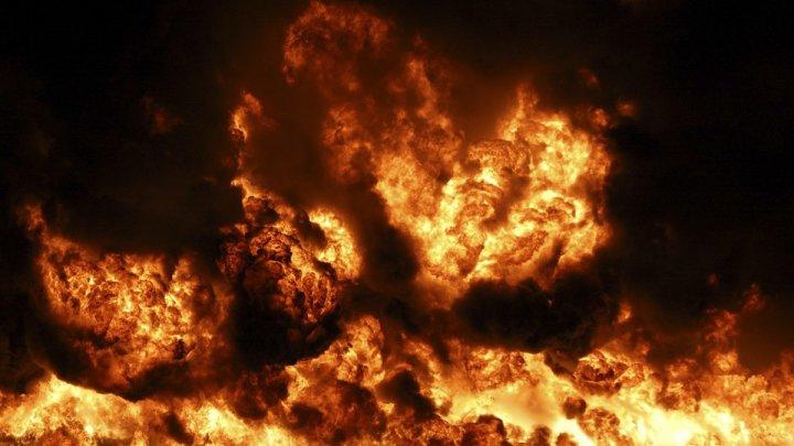 В Саратовской области загорелась разлившаяся нефть: видео