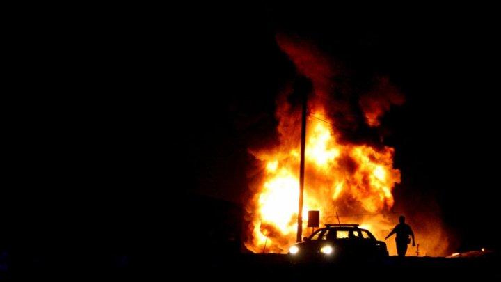 Названа возможная причина пожара на нефтепроводе под Саратовом