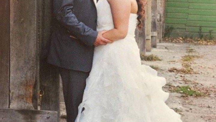 """Разочарованная в собственном браке девушка продает платье: """"В отличие от моего брака, оно в отличном состоянии"""""""