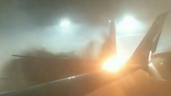 Огненный хлопок и крики: пассажир снял на видео панику на борту столкнувшегося самолета в Торонто