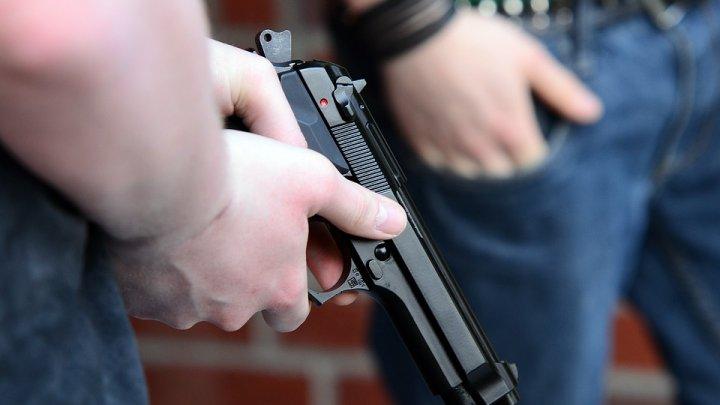 Пятикласснику выстрелили в ногу в школьном туалете в Симферополе