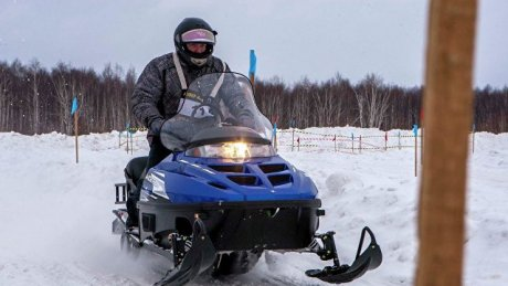Трое мужчин на снегоходах провалились под лёд Москвы-реки