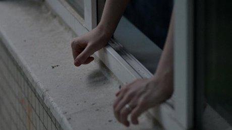 Страшная трагедия в столице: мужчина зарезал жену и выбросился из окна