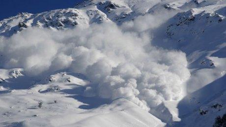 В Швейцарии лавина накрыла 10 туристов