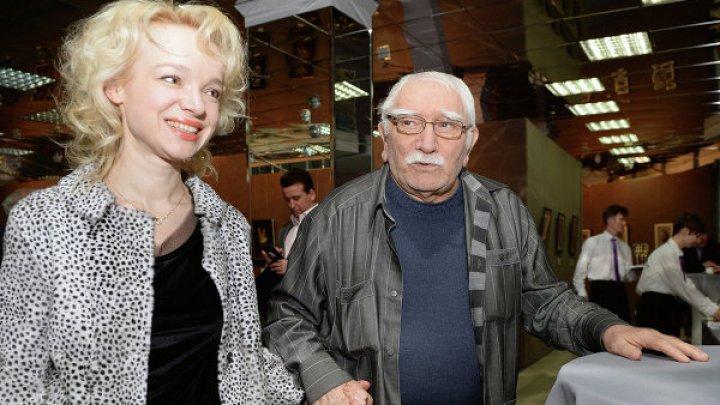 Бывшая жена Армена Джигарханяна готова принять его обратно