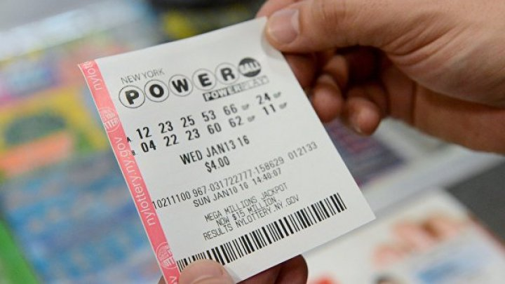 42-летний таец выиграл в лотерею миллион фунтов, но потерял билет и убил себя