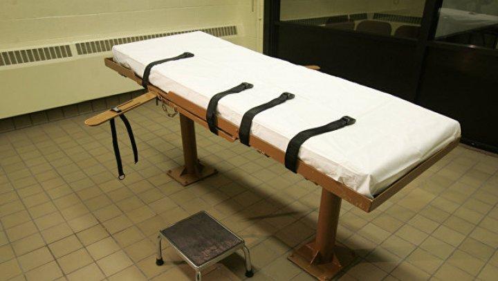Смертную казнь американца отложили после многочасовых поисков вены