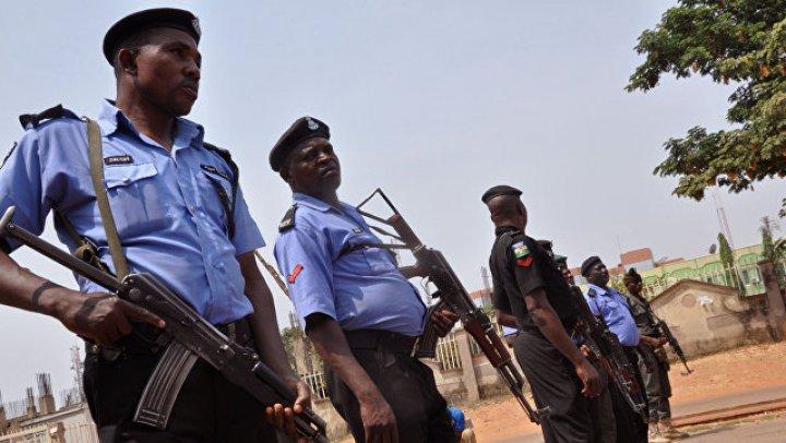 В Нигерии после нападения боевиков на школы пропали более 90 учениц